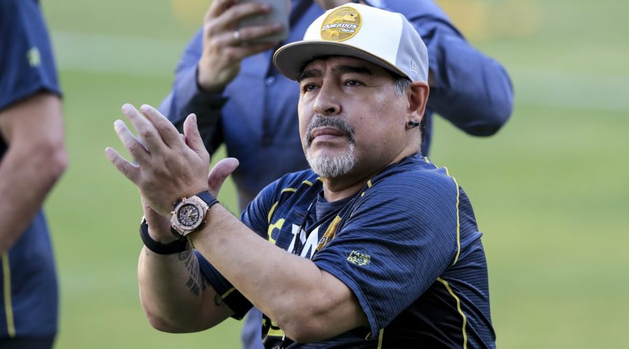 Maradona makes winning start in Mexico